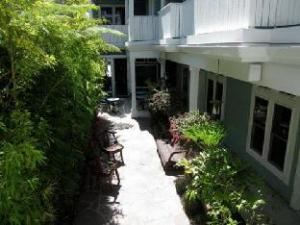 Pacific Blue Inn