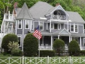 The Cornell In Lenox Bed And Breakfast