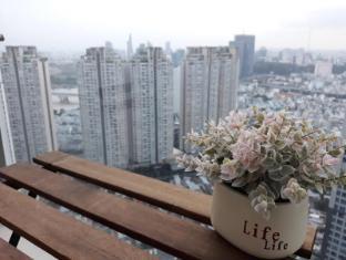 2BR SMARTHOME SKY VIEW, GYM, POOL & GREEN PARK - Ho Chi Minh City