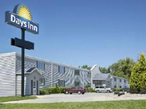Days Inn Cedar Falls University Plaza