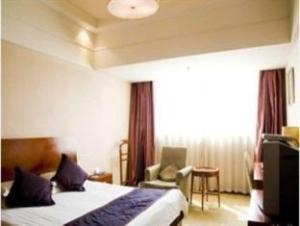 Hangzhou New Xilai Hotel