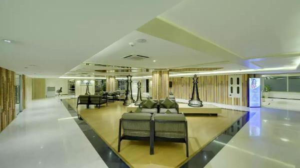 Davanam Sarovar Portico Suites Bangalore