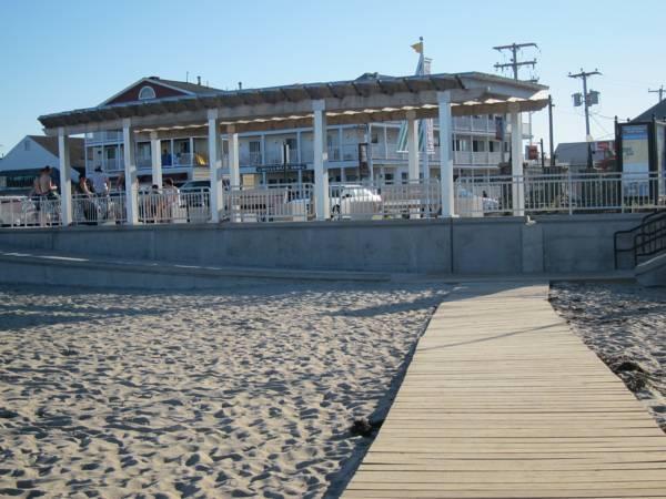 Tides Motel   Hampton Beach