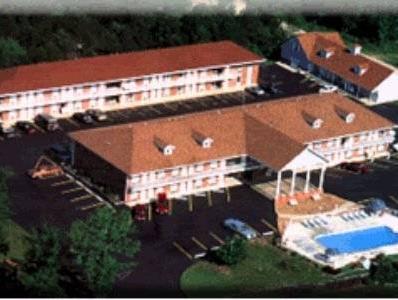 Twelve Oaks Inn