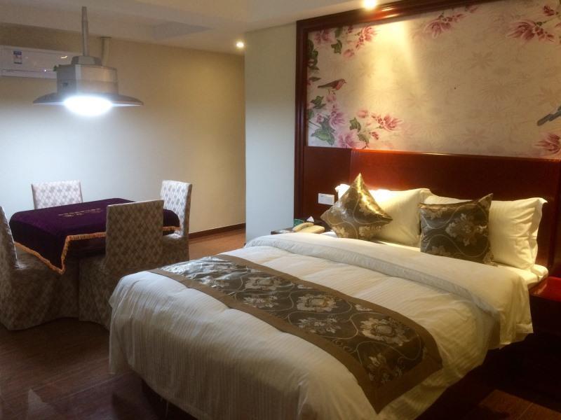 GreenTree Alliance Shenzhen Fuyong Metro Station Hotel