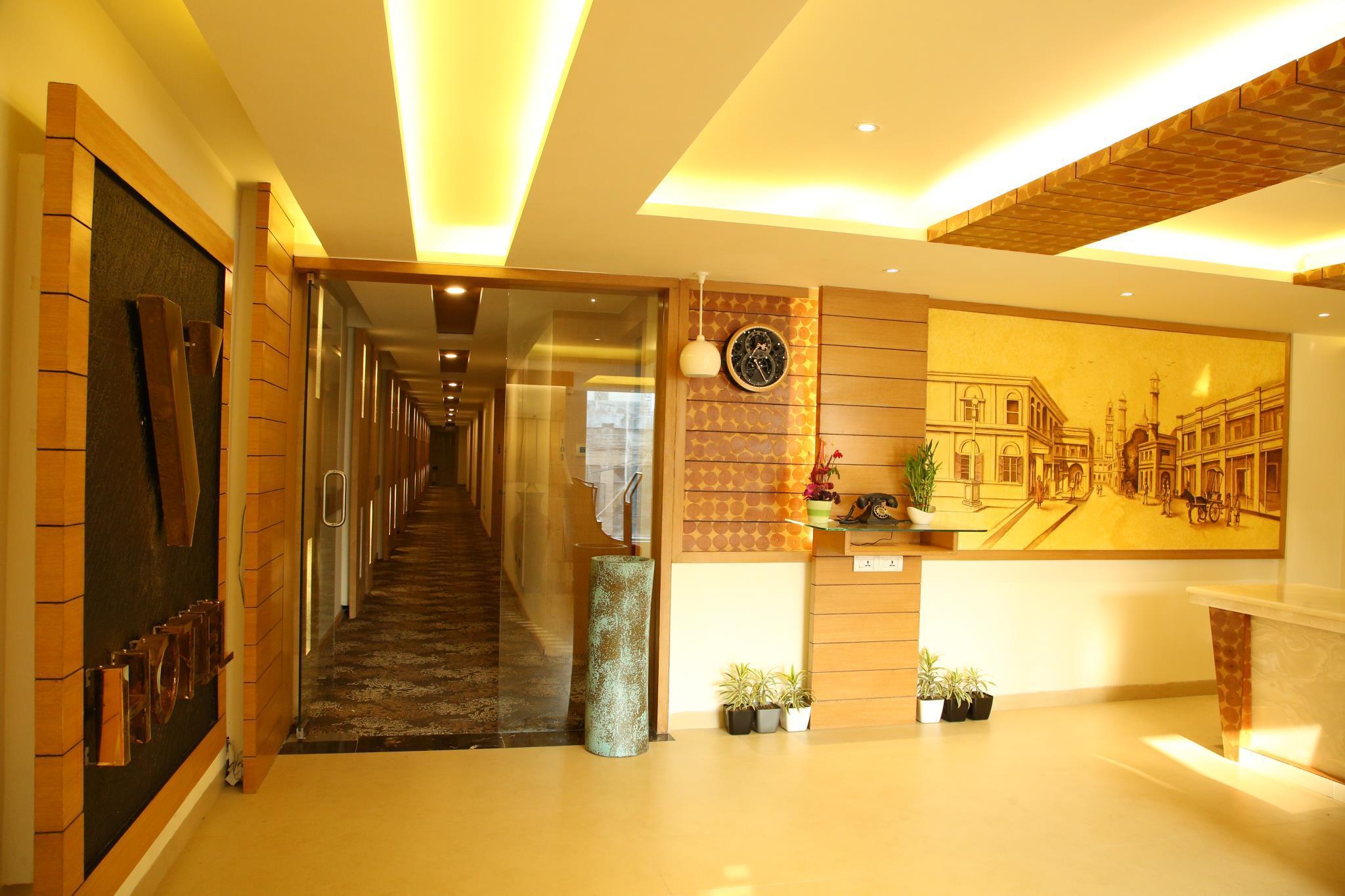 FabHotel V Hotel Hazratganj