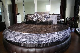 picture 5 of Giant Round Bed   5-Balconies   Maid Service  