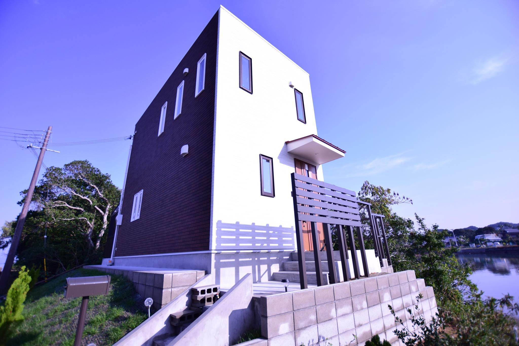 Shirahama House