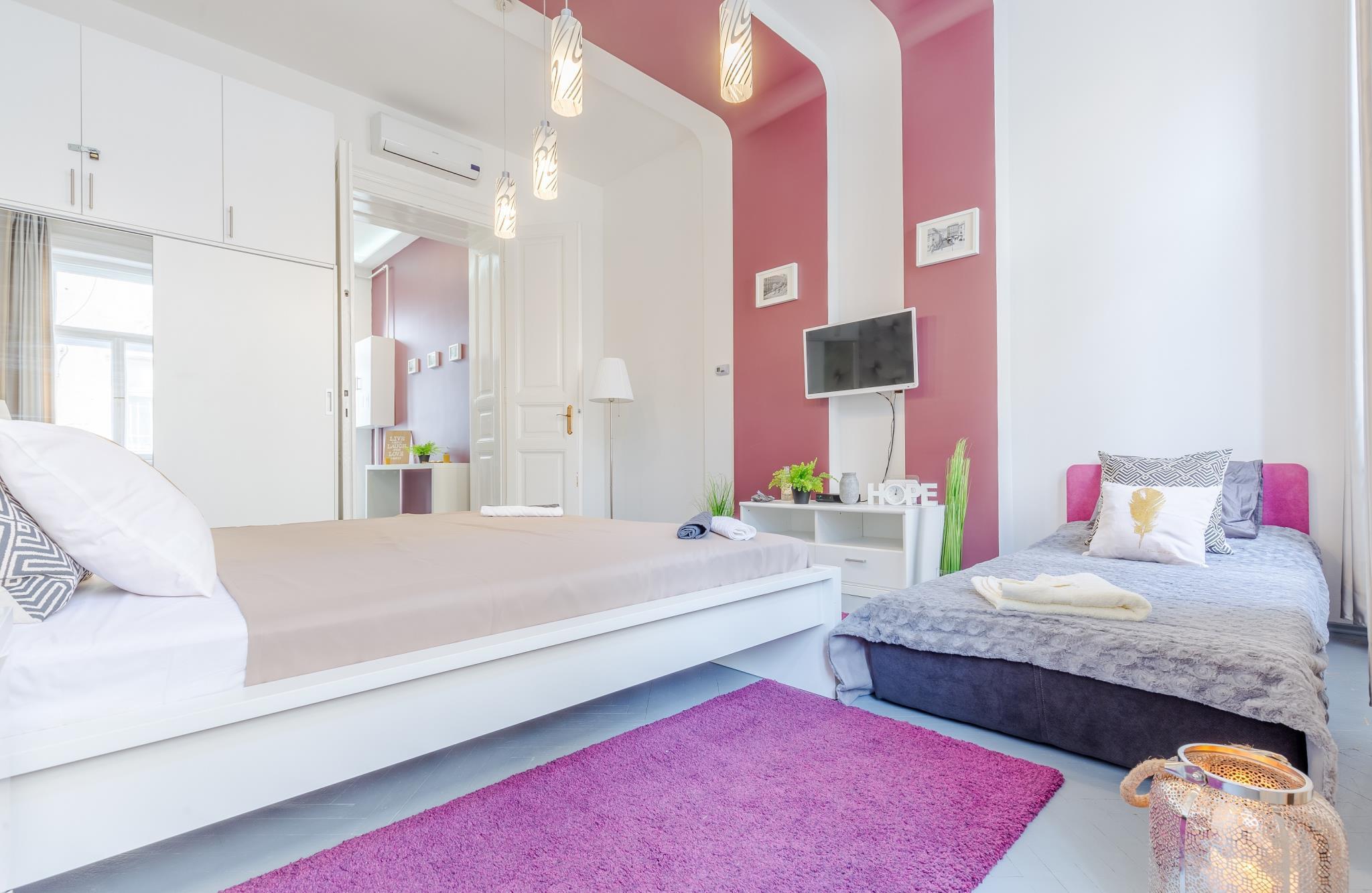 Real Apartments Hegedu