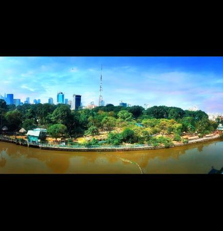 Stunning Riverside ZOO view Apartment in Center Ho Chi Minh City