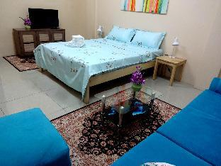 picture 2 of Double Room at The Yellow House