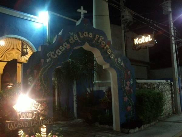 Hotel Casa de las Flores – Reviews, Pictures, Price & Deals