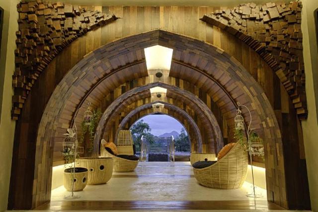 นที เดอะริเวอร์ฟรอนต์โฮเต็ล กาญจนบุรี – Natee The Riverfront Hotel Kanchanaburi