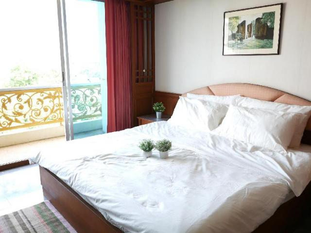 6 stations to Chatuchak Market – Large Bed – 6 stations to Chatuchak Market – Large Bed