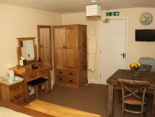 Kings Arms Litton Hotels image