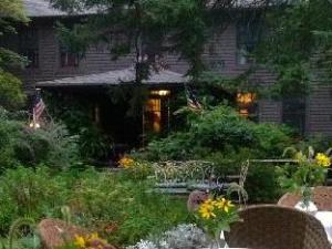 Roseledge Country Inn