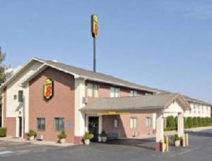 速8曼福德维尔酒店 (Super 8 Munfordville)