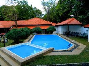 Jayasinghe Holiday Resort