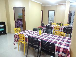 picture 1 of Backpackers Room at The Yellow House