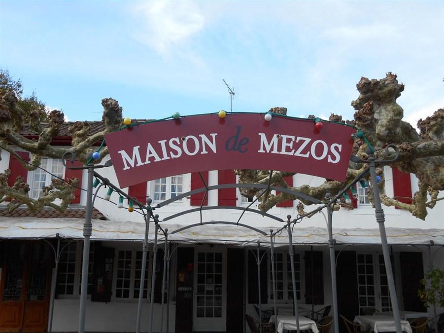 Maison De Mezos