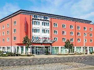 โรงแรมเดรสเดน เอลบ์พรอมเมอนาด (Mercure Hotel Dresden Elbpromenade)