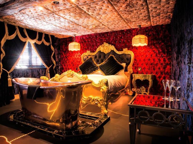 Crazy Bear Hotel Beaconsfield