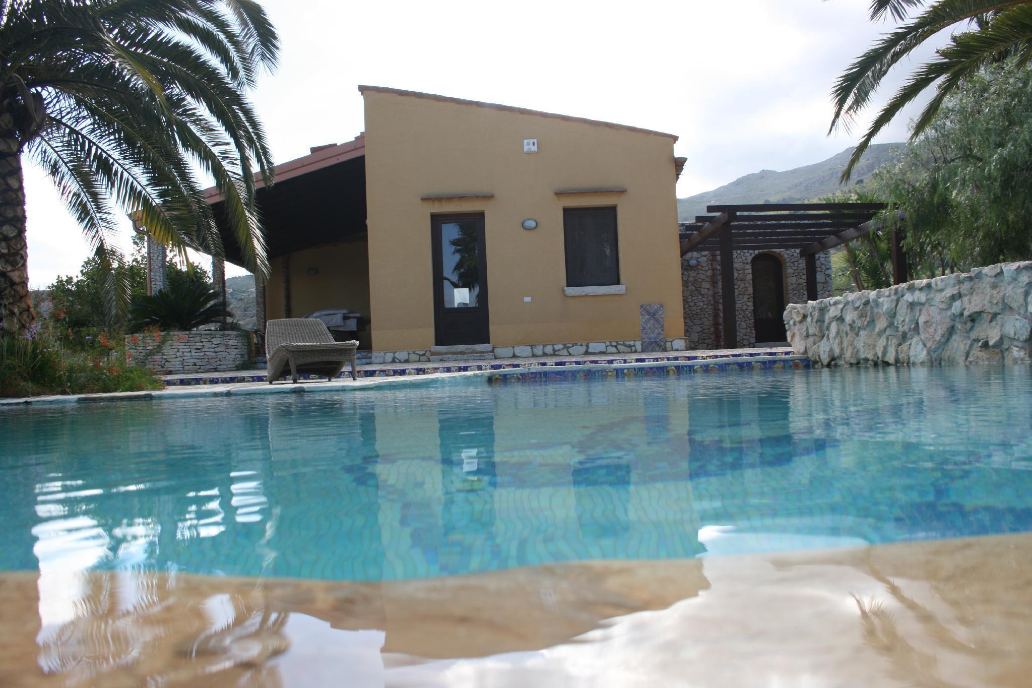 Villa Cialoma With Pool
