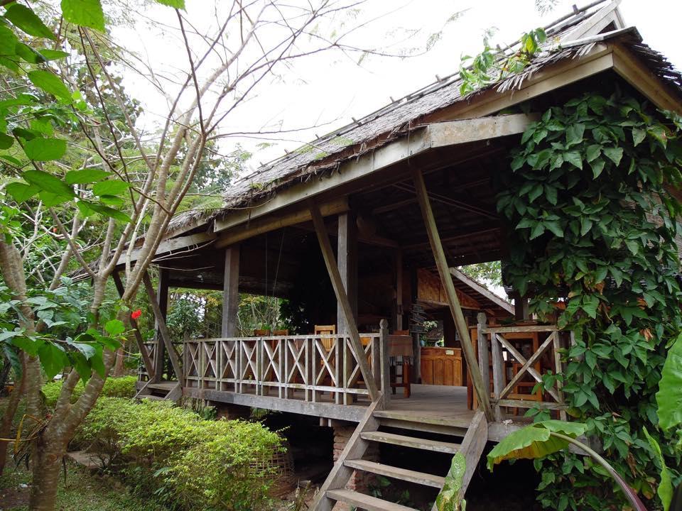Namtha Riverside Bungalow