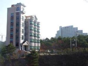칼즈배드 모텔  (Carlsbed Motel)