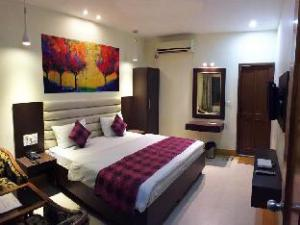 Hotel Veenus International