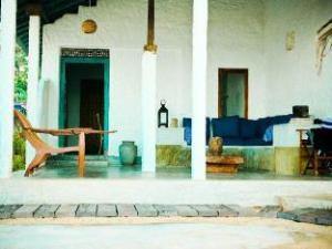 Coco-mari Beach Villa