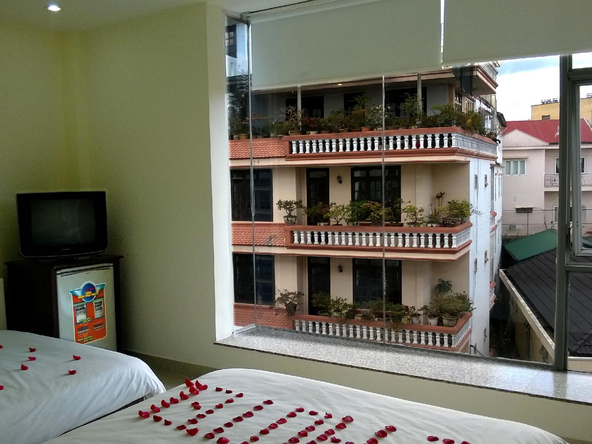 I-Hotel 4