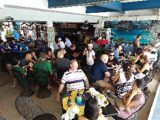 picture 5 of Mangos Beachfront Resort