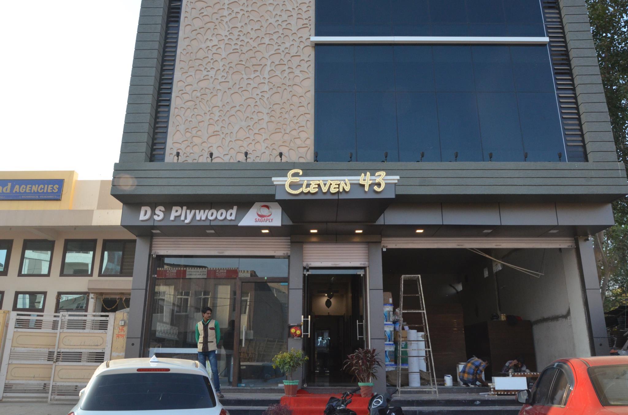 OYO 11517 Hotel Eleven 43