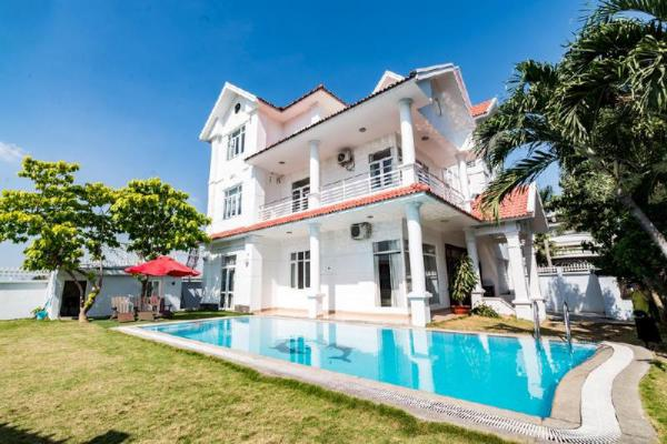 Gem Villa 189 - Villa with Pool, 7brs Karaoke,BBQ  Ho Chi Minh City