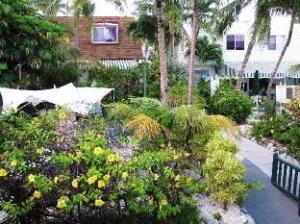 Best Western Bay View Suites