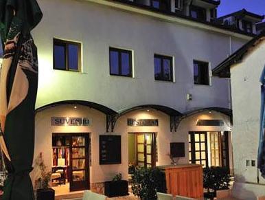 Hotel Emen