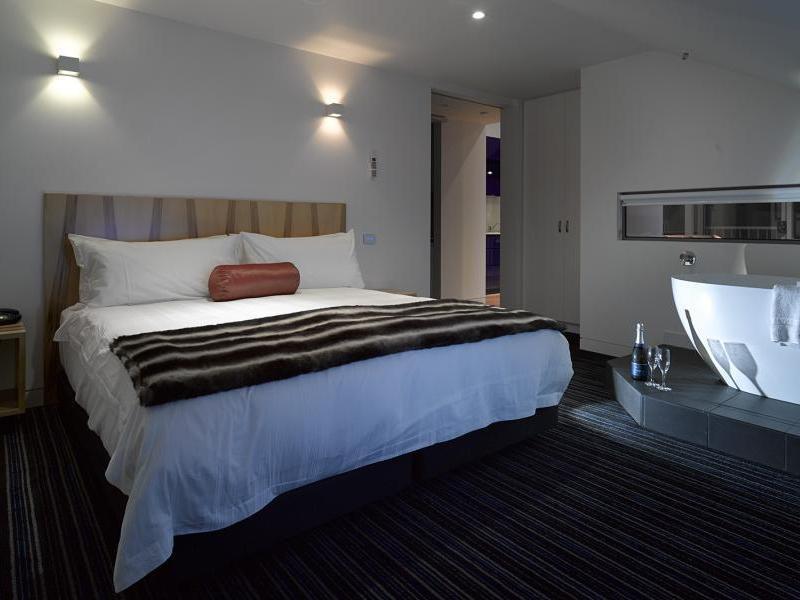 Reviews Salamanca Wharf Hotel