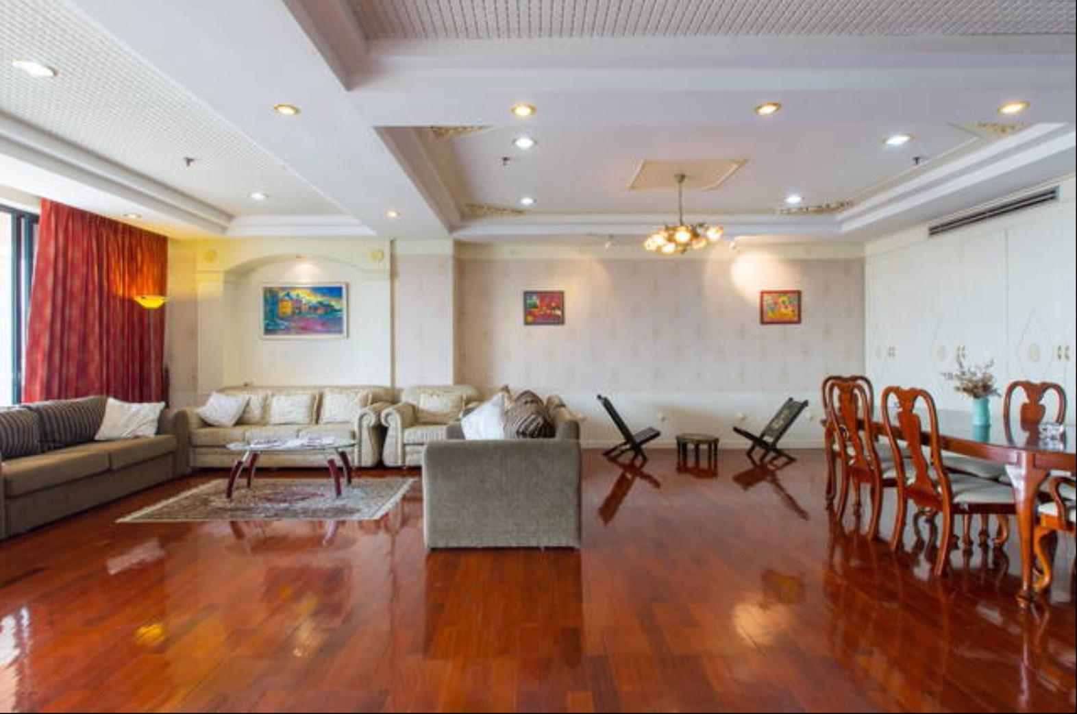 Spacious Apartment near Lumpini Park Spacious Apartment near Lumpini Park