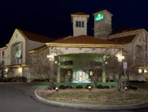 La Quinta Inn & Suites Denver Airport DIA