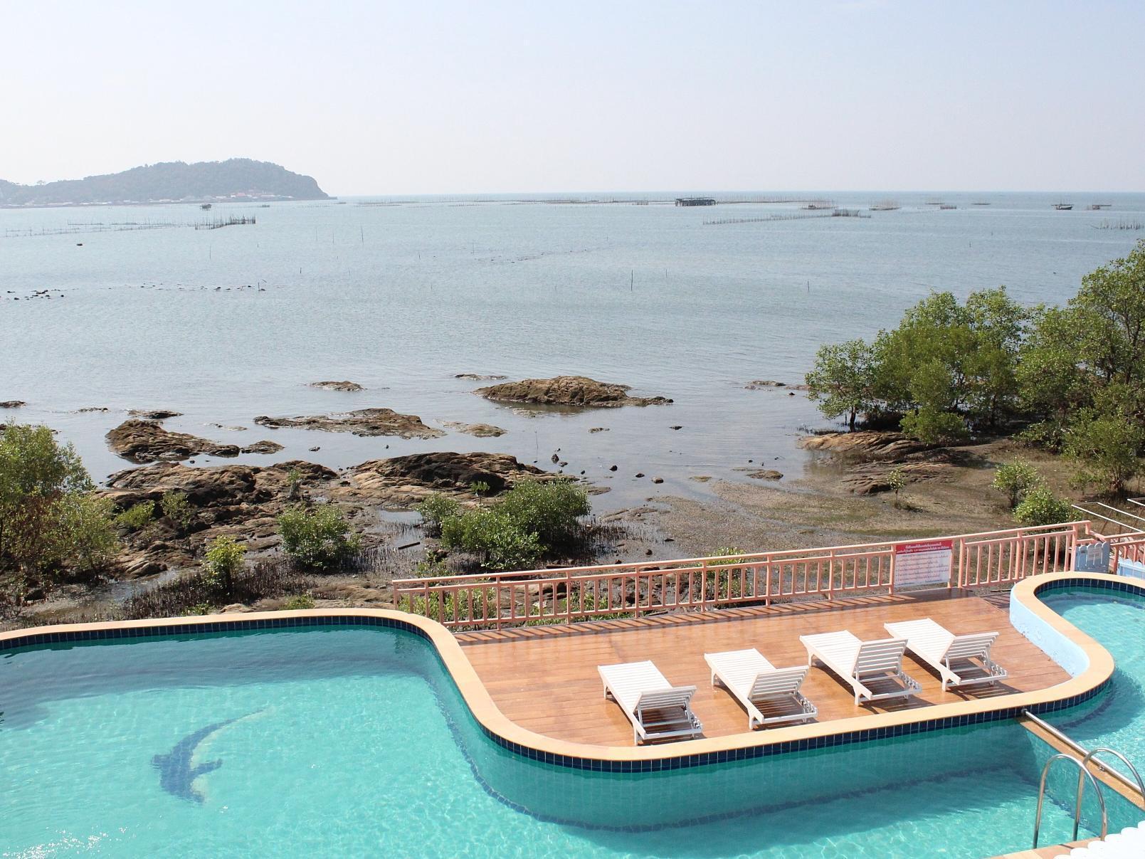 Bai Bua Beach Resort ใบบัว บีช รีสอร์ท
