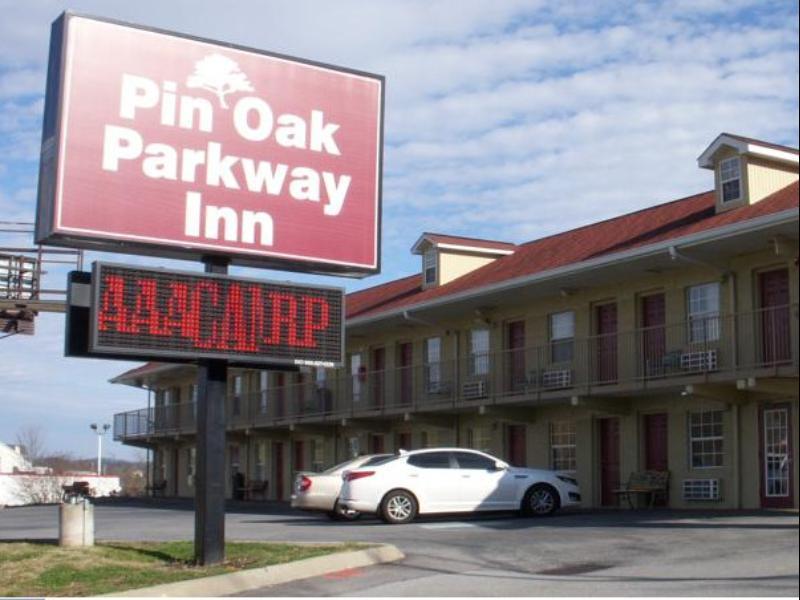 Pin Oak Parkway Inn