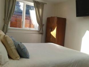 Gardeners Lodge Bed And Breakfasts image