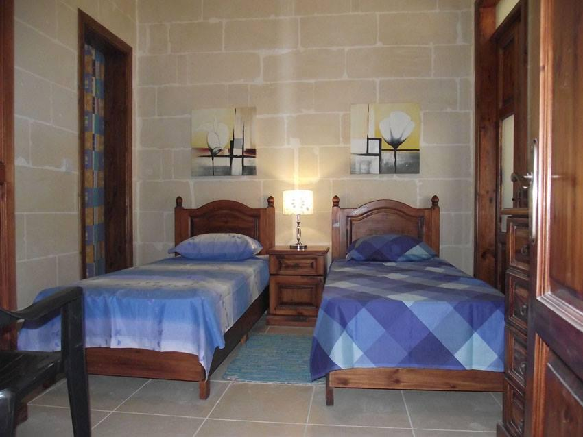Qronfli Holiday Accommodation With Pool  2