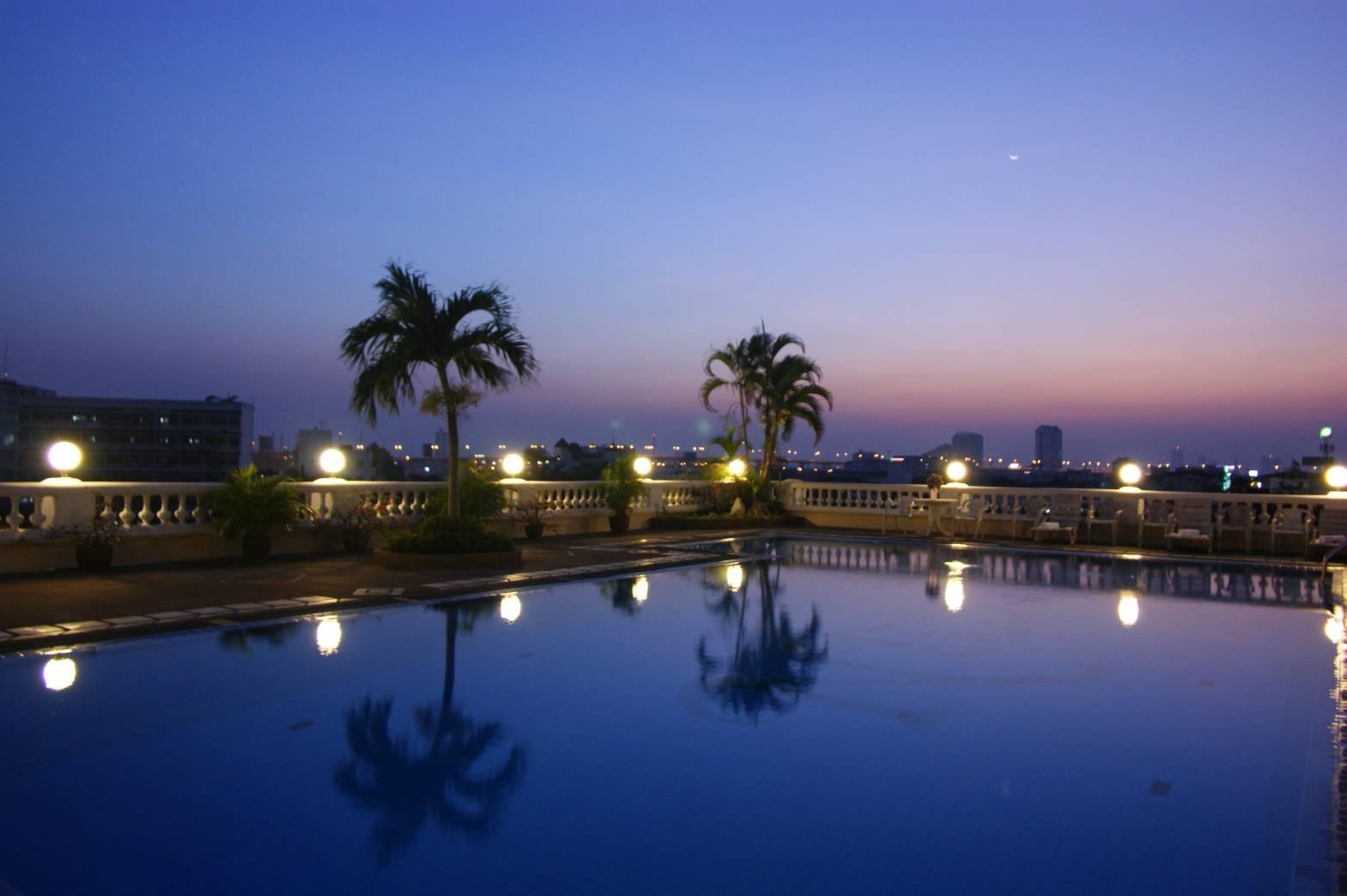 The Niran Grand Hotel