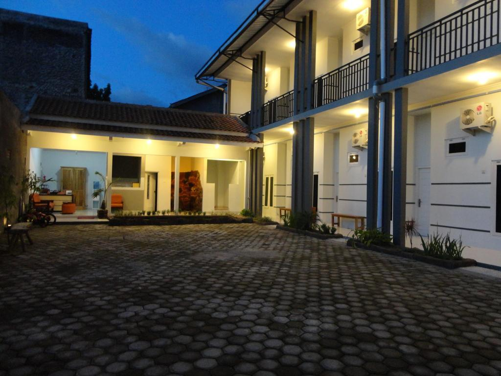 Pendowo Huis Guest House   Standard 1