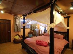 A Fei Surf Inn II - Tiki House