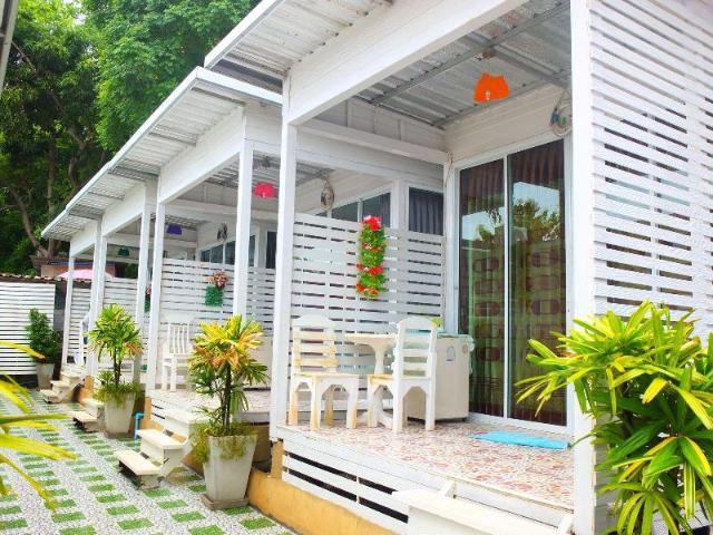 ลมทะเล รีสอร์ท แอท เกาะล้าน – Lom Talay Resort at Koh Larn