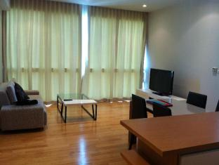 1 Bedroom at Millennuim Residence Sukhumvits image