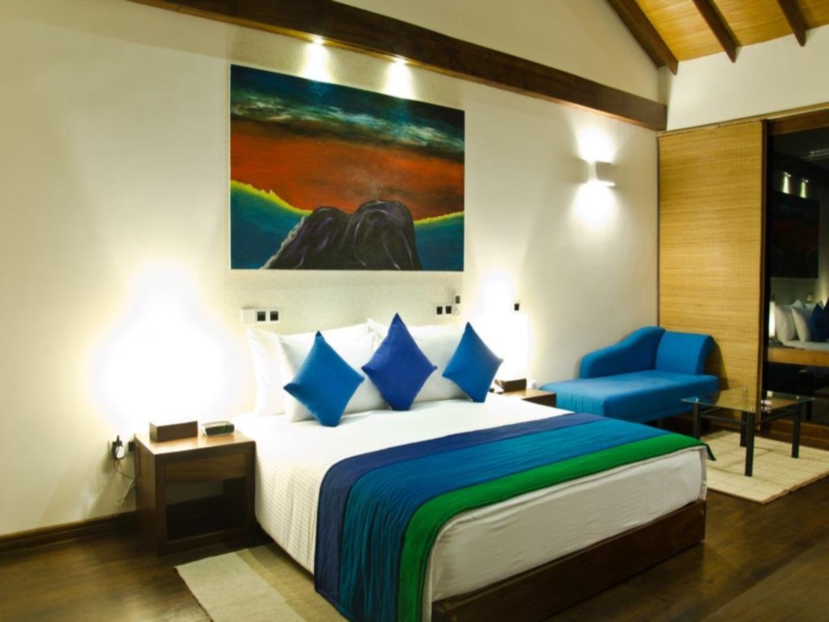 Aarya Lagoon Resort 2